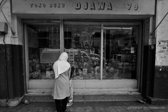window shoping by zaky akbar